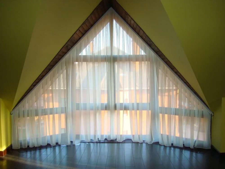 описание как сшить шторы на скошенные окна фото только