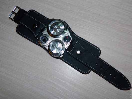 Часы ручной работы. Ярмарка Мастеров - ручная работа. Купить часы OULM. Handmade. Черный, подарок на любой случай