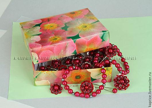 Комплект украшений красный с серебром 30 предметов