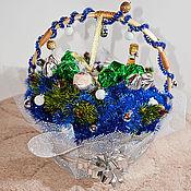 """Цветы и флористика ручной работы. Ярмарка Мастеров - ручная работа Композиция """"Новогодняя"""" из конфет. Handmade."""