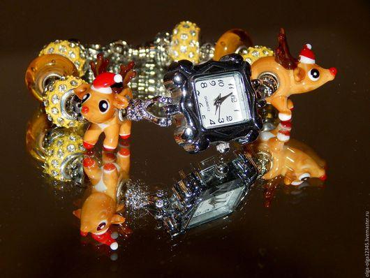 """Часы ручной работы. Ярмарка Мастеров - ручная работа. Купить Часы   """"Новый год к нам мчится"""". Handmade. Бежевый, наручные часы"""