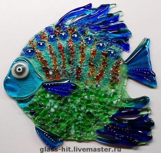 """Фьюзинг. Мини -витражик """" Рыбка"""". Стекло. Может быть использована как стеклянная плитка. Клеется на керамическую плитку или на зеркало. Можно подвесить на окно или заказать рыбку на подст"""