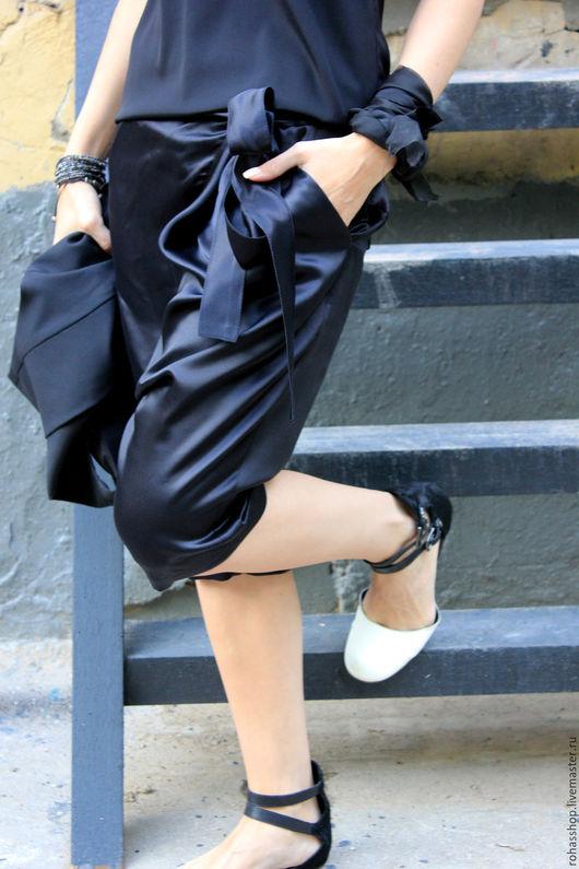 R00080 Капри из черного шелка для лета. Стильные , модные капри из натурального шелка с мотней. Красивые женские брюки летние.