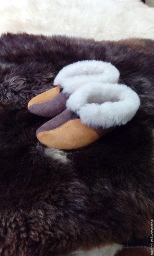 Обувь ручной работы. Ярмарка Мастеров - ручная работа. Купить Чуни детские из натуральной овчины. Handmade. Чуни детские, оранжевый