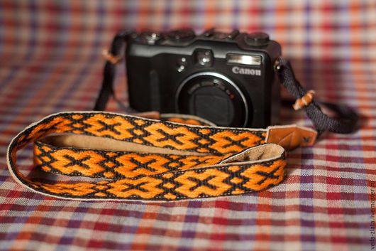 Пояса, ремни ручной работы. Ярмарка Мастеров - ручная работа. Купить этноремень для фотоаппарата. Handmade. Разноцветный, реммень для фотоаппарата, кожа