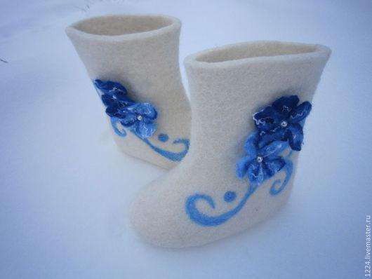 Обувь ручной работы. Валенки детские для девочки .