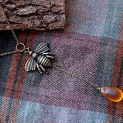 Украшения ручной работы. Ярмарка Мастеров - ручная работа Украшение на шею с пчелой и медовой каплей. Handmade.