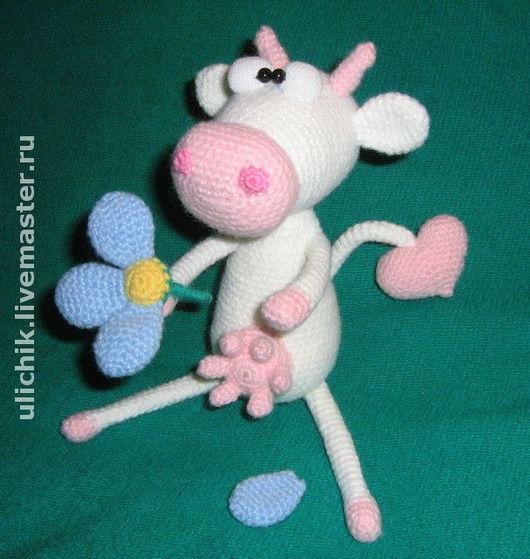 """Игрушки животные, ручной работы. Ярмарка Мастеров - ручная работа. Купить Игрушка """"Влюбленная корова"""". Handmade. Вязаная игрушка, сердце"""