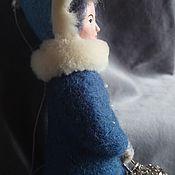 Войлочная игрушка ручной работы. Ярмарка Мастеров - ручная работа Девочка с фонариком. Handmade.