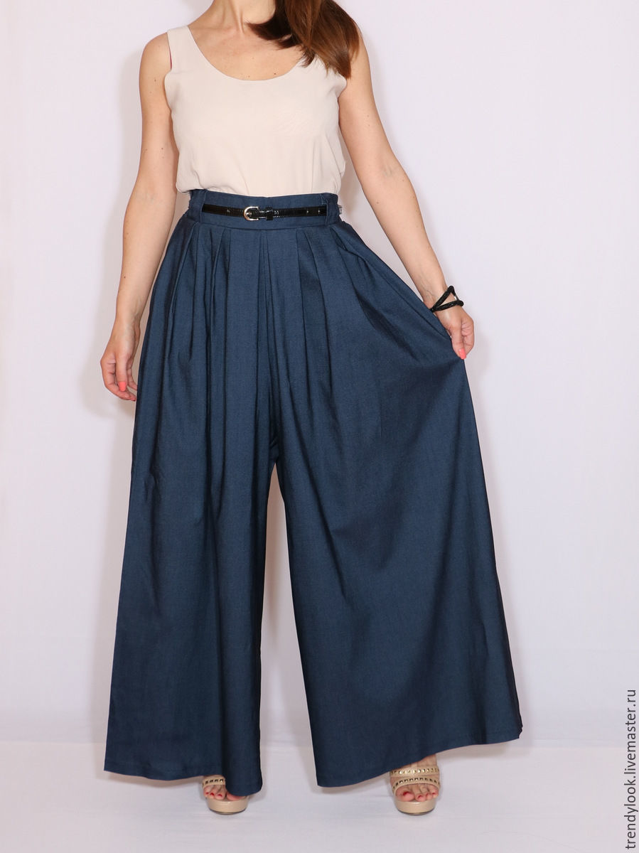 Темно синие брюки и юбки