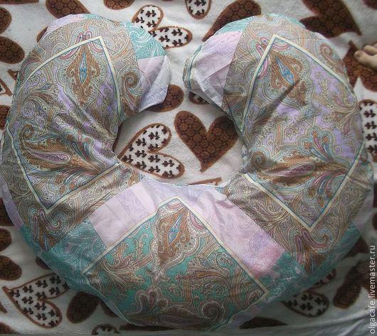 Подушка в чехле на молнии,наполнитель на выбор. Возможно изготовление дополнительного чехла (оговаривается)