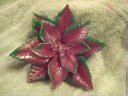 """Мыло ручной работы. Ярмарка Мастеров - ручная работа. Купить Мыло """"Пуансеттия - рождественский цветок"""". Handmade. Ярко-красный, ароматизатор"""