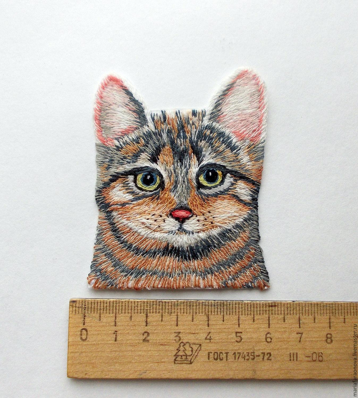 Вышивка котик в кармашке 51