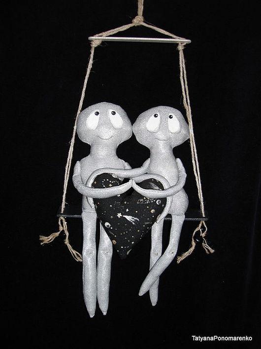 """Человечки ручной работы. Ярмарка Мастеров - ручная работа. Купить """"Качели - Неземная любовь"""" Интерьерная композиция. Handmade. Подвеска, серебряный"""