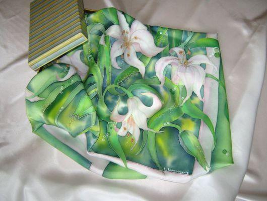 Шали, палантины ручной работы. Ярмарка Мастеров - ручная работа. Купить Платок Лилии. Handmade. Зеленый, Батик, шарф, лилии