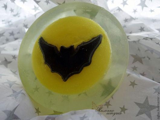 """Мыло ручной работы. Ярмарка Мастеров - ручная работа. Купить """"Бэтмен в ночном небе"""". Handmade. Бэтмен, по фильму, Фильм, герой"""