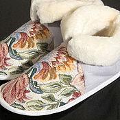 """Обувь ручной работы. Ярмарка Мастеров - ручная работа Домашние тапочки чуни """"Цветы"""" белые. Handmade."""