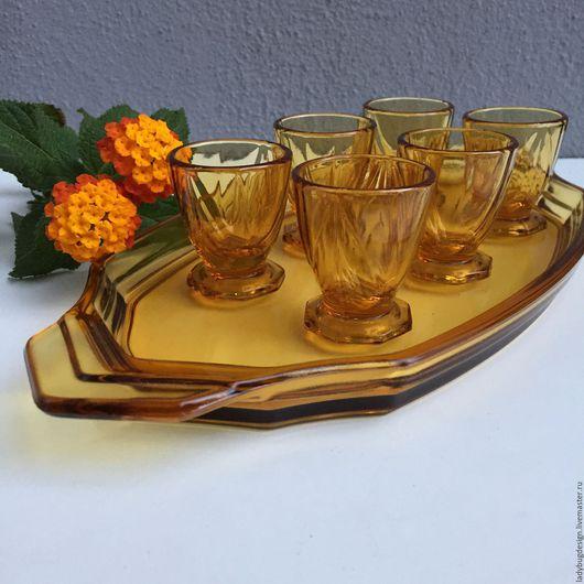 Винтажная посуда. Ярмарка Мастеров - ручная работа. Купить Поднос и 6 стопочек из янтарного стекла. Handmade. Оранжевый, желтое стекло