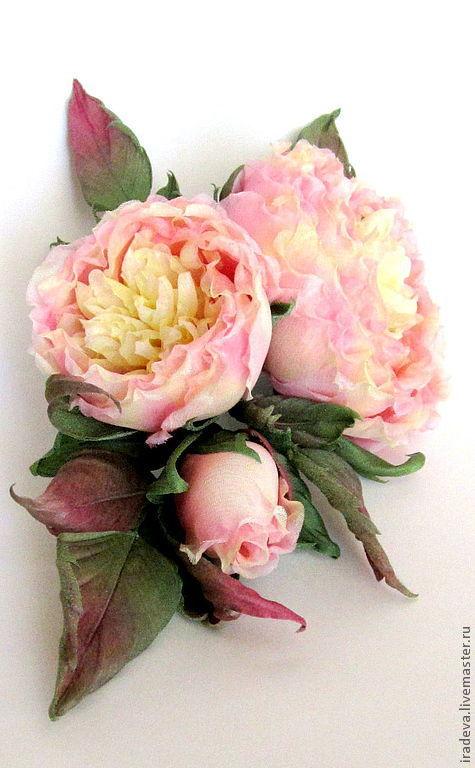 Броши ручной работы. Ярмарка Мастеров - ручная работа. Купить Розы из шелка. Брошь.. Handmade. Кремовый, розы брошь