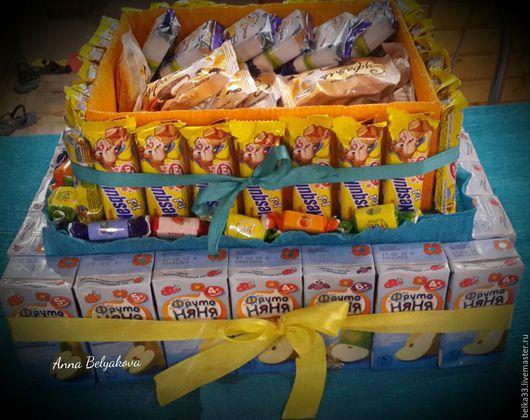 Праздничная атрибутика ручной работы. Ярмарка Мастеров - ручная работа. Купить Торт из конфет и соков для детей. Handmade. Торт на заказ