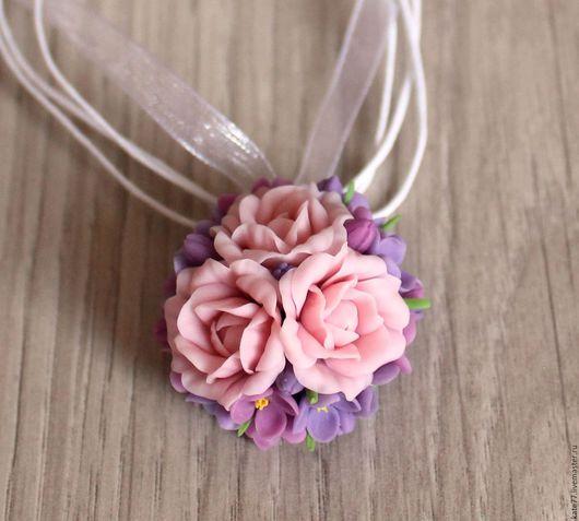 Кулоны, подвески ручной работы. Ярмарка Мастеров - ручная работа. Купить Кулон с розами и сиренью. Handmade. Комбинированный, весенние цветы