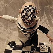 Куклы и игрушки ручной работы. Ярмарка Мастеров - ручная работа Шахматный клоун или черно-белая жизнь. Handmade.