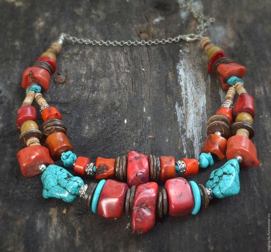 """Колье, бусы ручной работы. Ярмарка Мастеров - ручная работа. Купить Колье,ожерелье с натуральными камнями и кораллами """"Ягода"""". Handmade."""