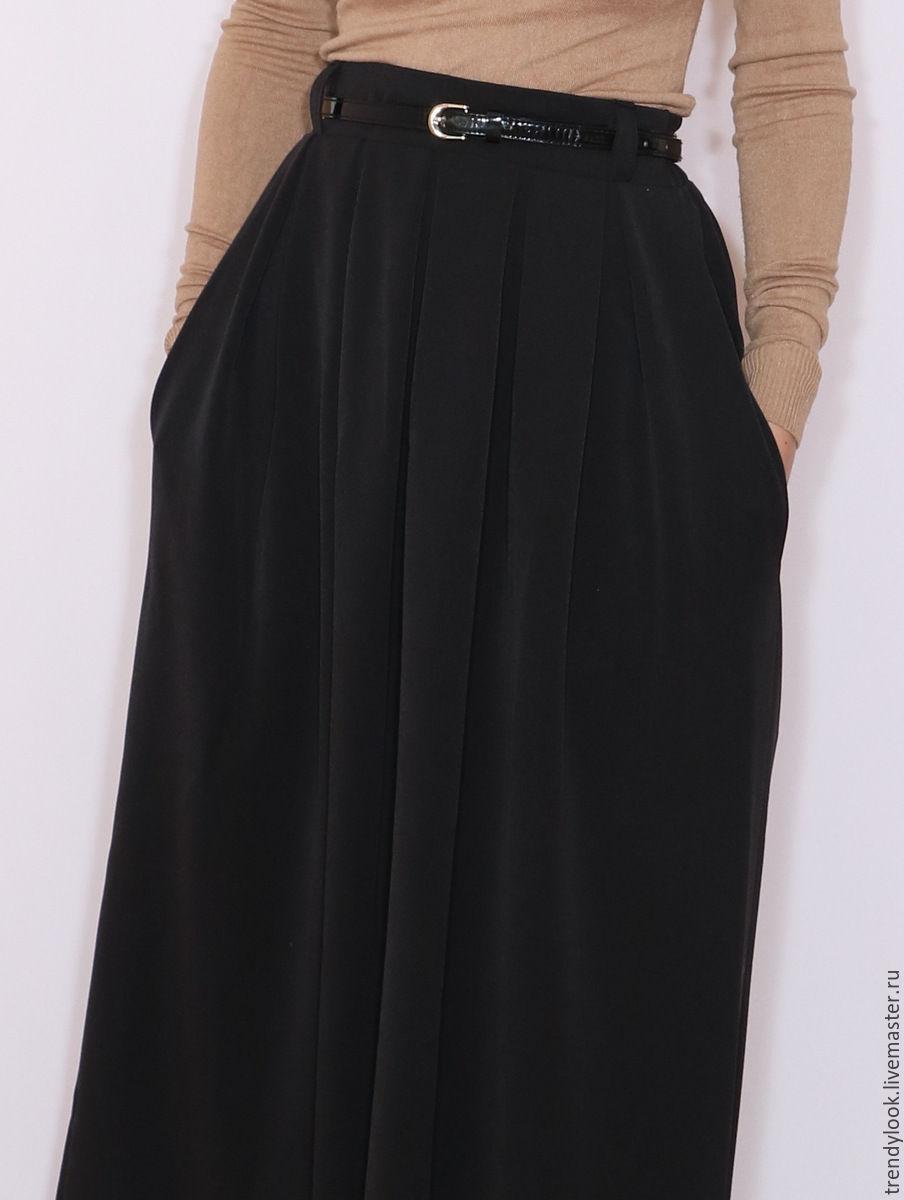 Длинная юбка в складку с карманами