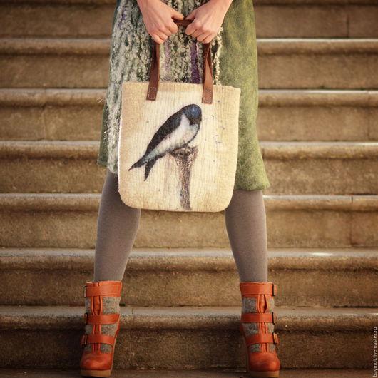 Женские сумки ручной работы. Ярмарка Мастеров - ручная работа. Купить Валяная сумка Ласточка на удачу. Handmade. Серый, коричневый
