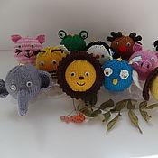 Подарки к праздникам ручной работы. Ярмарка Мастеров - ручная работа Вязаные елочные шары Новогодний зоопарк. Handmade.