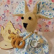 Мягкие игрушки ручной работы. Ярмарка Мастеров - ручная работа Мягкие игрушки: Мышка хозяйка. Handmade.