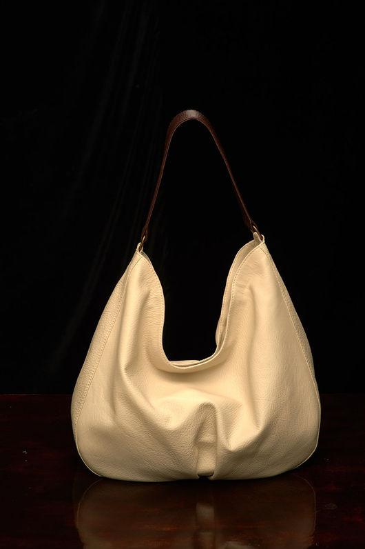 Женские сумки ручной работы. Ярмарка Мастеров - ручная работа. Купить Светлая сумка-мешок из натуральной кожи.. Handmade. Бежевый