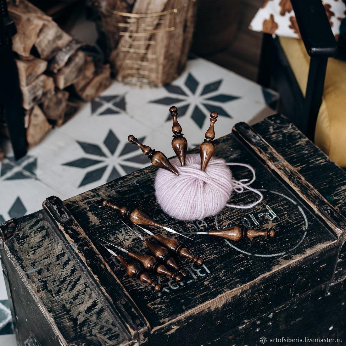 Set of iron crochet hooks with wooden handle (cedar) KN19, Crochet Hooks, Novokuznetsk,  Фото №1