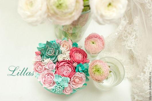 Свадебная композиция из цветов для колец молодоженов. Автор Анастасия Фатхиева-Долохова Lillas