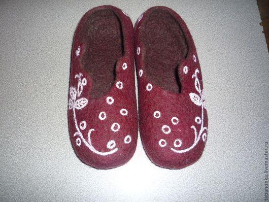 Чудесные тапочки,красивые,тёплые,уютные,прочные..Вашим ножкам будет комфортно.Ручная работа handmade.Ярмарка мастеров.Соловьёва Татьяна.