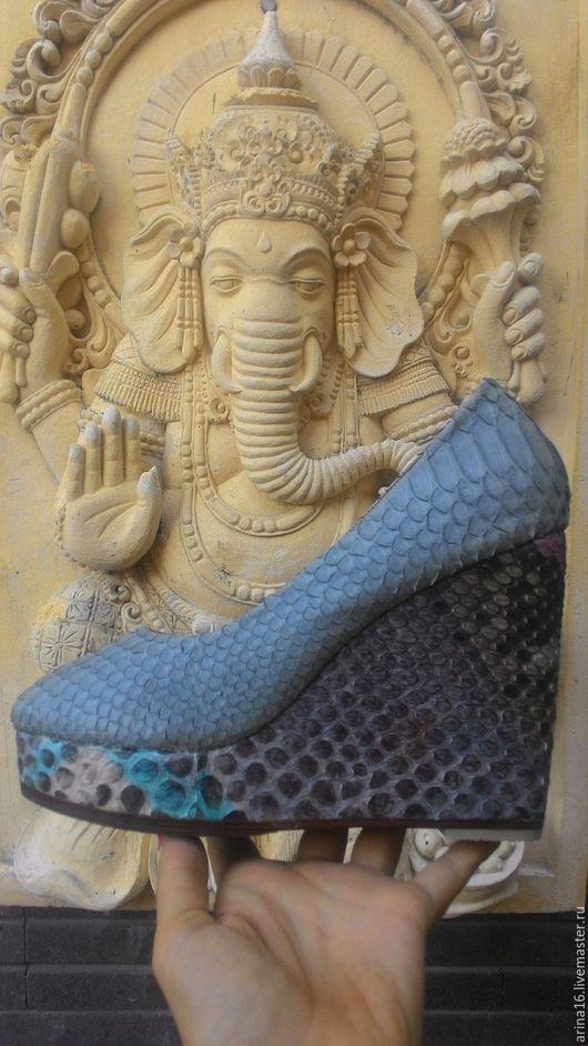 Обувь ручной работы. Ярмарка Мастеров - ручная работа. Купить Туфли из питона на танкетке. Handmade. Комбинированный, туфли