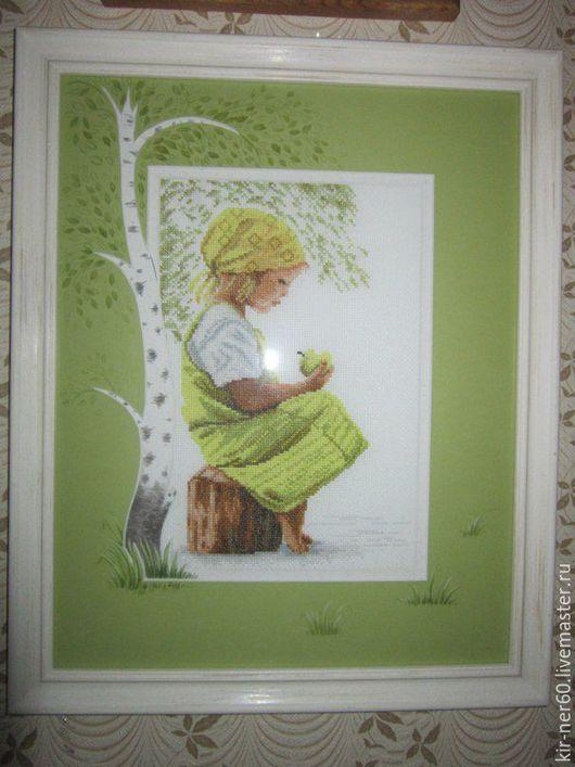Люди, ручной работы. Ярмарка Мастеров - ручная работа. Купить Готовая вышитая картина Lanarte «Девочка с яблоком ». Handmade.