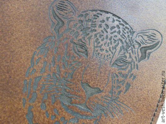 Обложка для паспорта Пантера. Кожаная обложка на паспорт