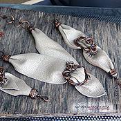 Украшения ручной работы. Ярмарка Мастеров - ручная работа Колье-галстук из меди и нат. кожи. Handmade.