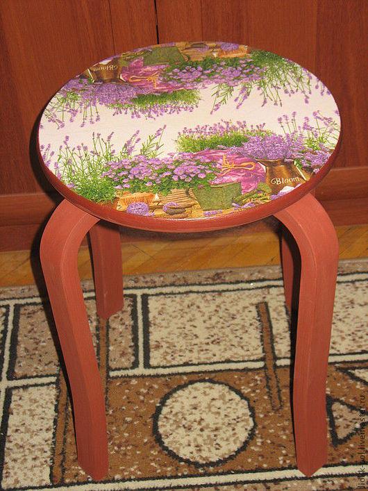 """Мебель ручной работы. Ярмарка Мастеров - ручная работа. Купить Табурет """"Лаванда"""". Handmade. Коричневый, подарок, акриловые краски и лак"""
