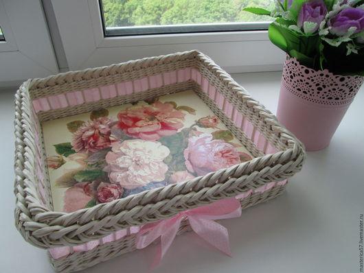 Плетеный поднос `Розы Прованса` (размер 33*33 см)