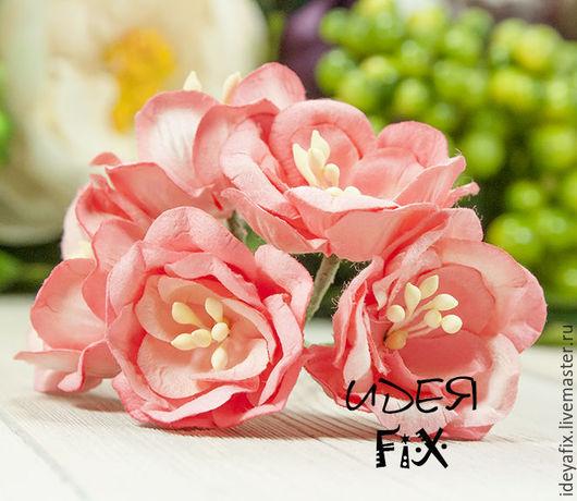 Диаметр цветка около 4 см. Высота цветка 1,5 см. Длина проволочного стебелька 7 см.  Цена указана за 1 шт.