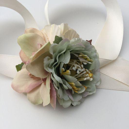 Свадебные украшения ручной работы. Ярмарка Мастеров - ручная работа. Купить Браслеты для подружек невесты пастельные зелёно-кремовый. Handmade.
