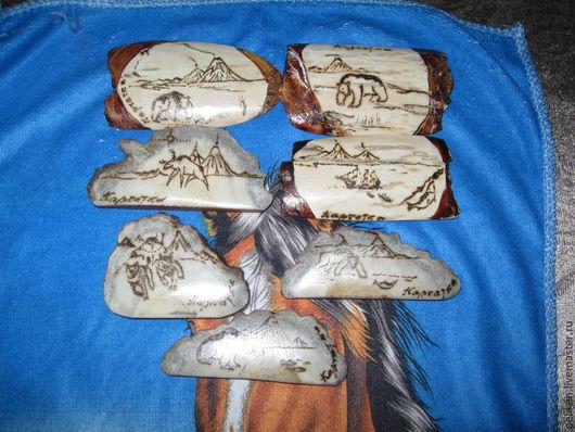 Картинки на магнитах  - из рога лося и бивня мамонта. Лебедев Михаил