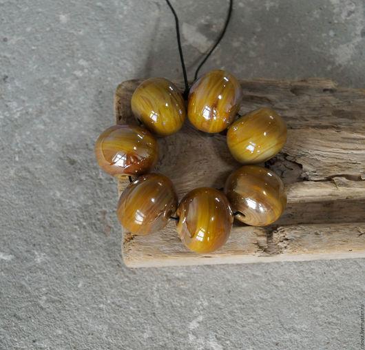 Для украшений ручной работы. Ярмарка Мастеров - ручная работа. Купить Комплект 7 полых бусин горчично-бежевые с блеском. Handmade.