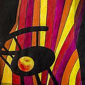 Картины и панно ручной работы. Ярмарка Мастеров - ручная работа Декоративный контрастный натюрморт «Яблоко на стуле на драпировке». Handmade.