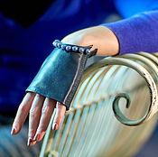 Аксессуары handmade. Livemaster - original item Stylish gray fingerless gloves with pearl beads. Motorists. Handmade.