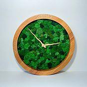 Изделия ручной работы. Ярмарка Мастеров - ручная работа Часы из мха в фирменной деревянной упаковке. Handmade.