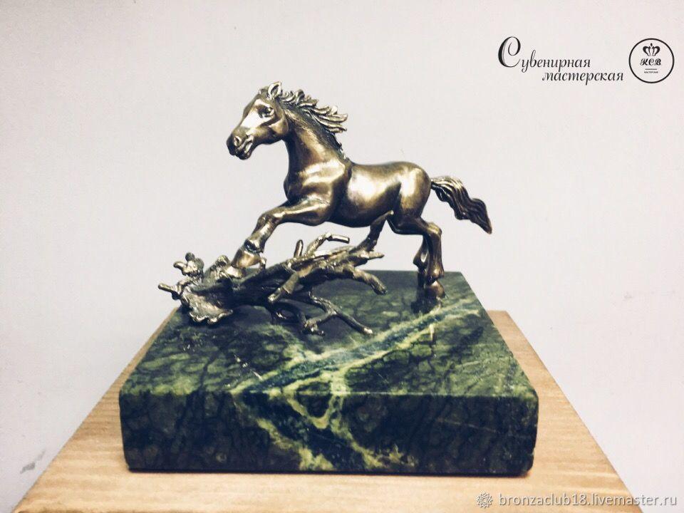 Сувенирная мастерская К.С.В. Лошадь. Конь. из бронзы. Литье. Миниатюра.