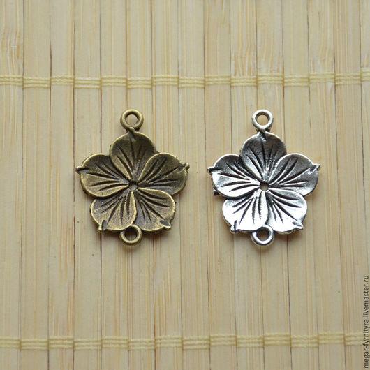 Для украшений ручной работы. Ярмарка Мастеров - ручная работа. Купить Коннектор цветок Два цвета 21x26 мм. Handmade.